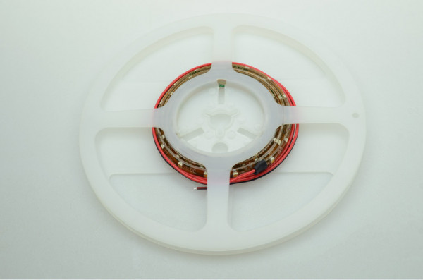 LED-Lichtband Meterware DC 302 Lumen 120° warmweiss 4,8W dimmbar Green-Power-LED